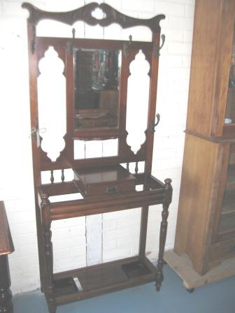 Late Victorian hallstand with rams head hooks