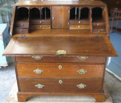 Early Georgian  English Oak Bureau with fitted interior(note: has had numerous repairs about 100 years ago) open