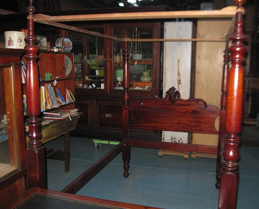 Victorian Cedar 4 Poster Bed in lovely order(SOLD)